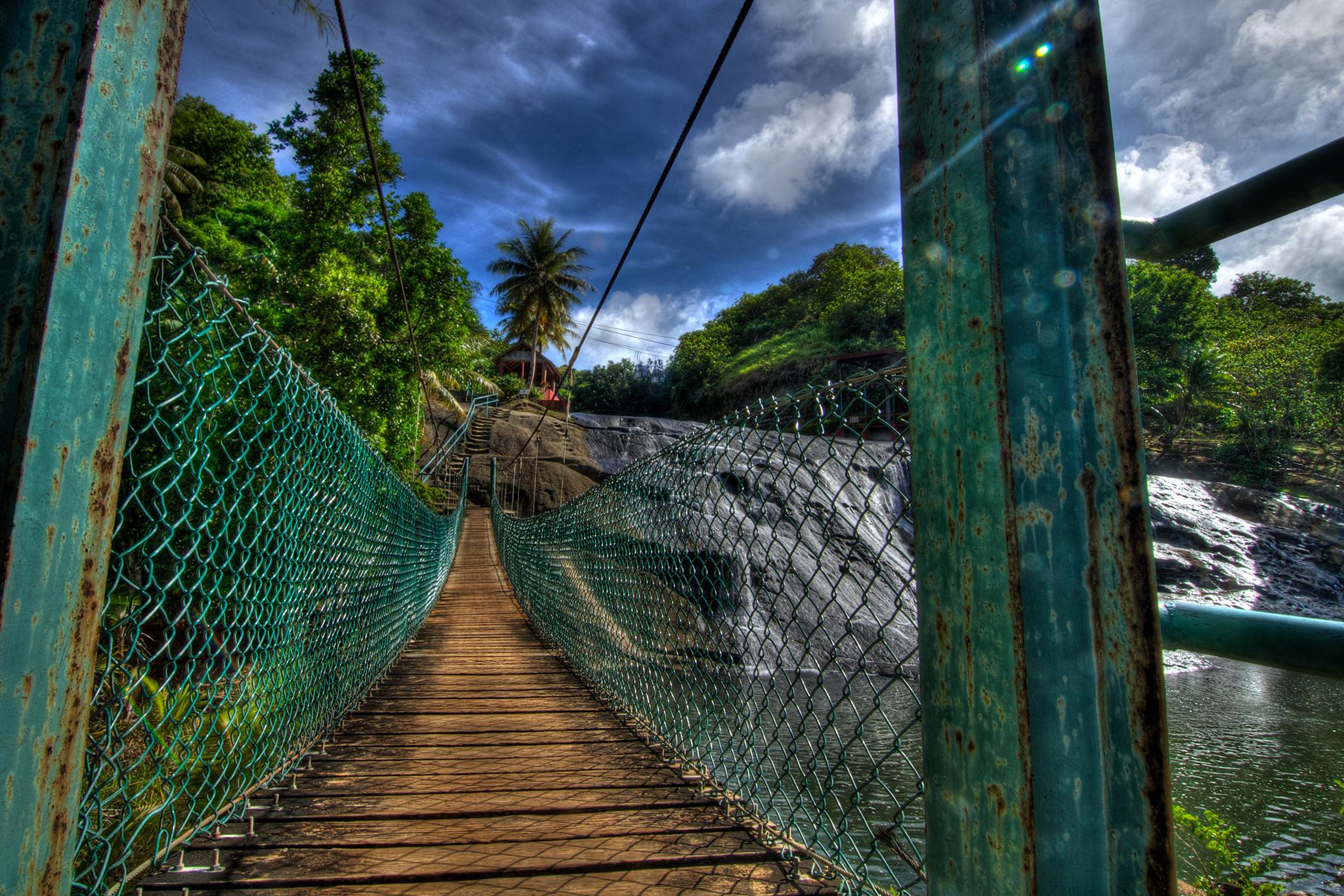 talofofo-falls-bridge.jpg